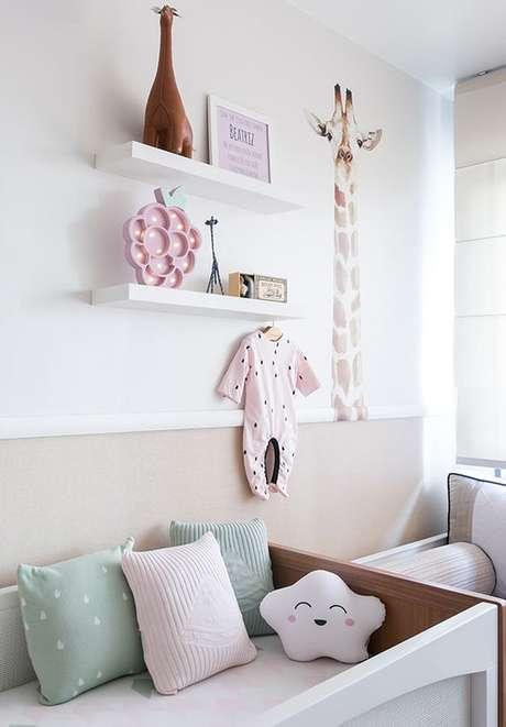 37. Quarto de bebe retro rosa e verde – Foto Constance Zahn