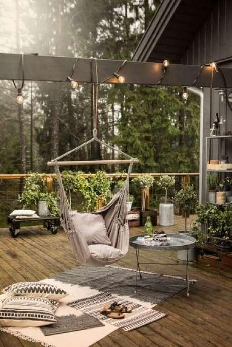 6. Decore seu terraço com uma linda rede cadeira. Fonte: Pinterest