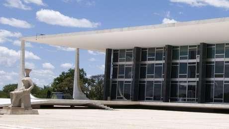 Um dos cenários possíveis é o STF manter a incompetência da Justiça do Paraná, mas derrubar o julgamento da parcialidade de Moro