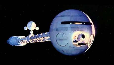 Em 2001: Uma Odisséia no Espaço a Discovery One usava propulsão nuclear.