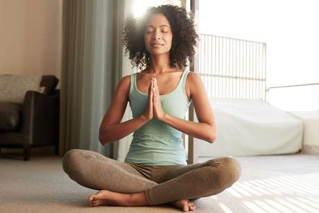 Meditação não é apenas esvaziar a sua mente; Preencha a sua consciência com o sentir e ser