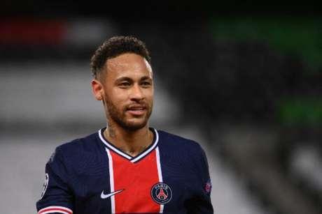 Neymar irá alongar sua estadia na capital francesa (Foto: FRANCK FIFE / AFP)