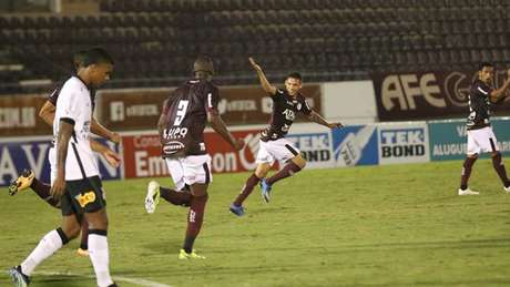 Time de Araraquara fez ruir melhor sequência corintiana na 'Era Mancini' (Foto: Divulgação/Ferroviária SA)