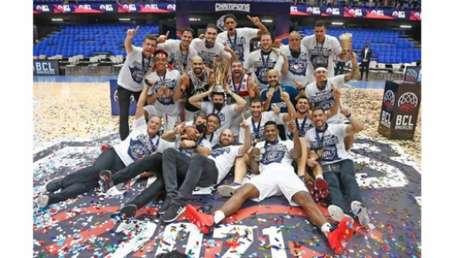Fla comemora o título internacional (Foto: Gaspar Nóbrega/BCLA)