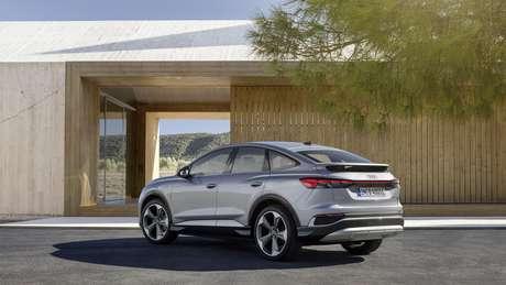 Equipado com uma bateria de até 77 kWh, Audi Q4 e-tron oferece uma autonomia de até 520 km.