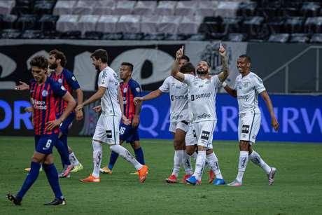 Santos empata com San Lorenzo e garante vaga na fase de grupos da Libertadores