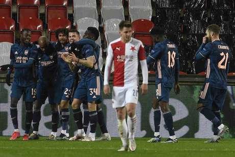 Arsenal venceu o Slavia Praga com facilidade na República Tcheca (Foto: MICHAL CIZEK / AFP)