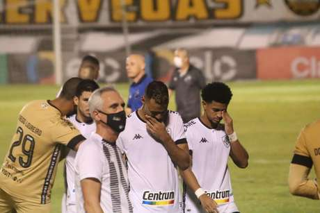 Botafogo consegue gol no último lance, mas perde para o ABC nos pênaltis e dá adeus à Copa do Brasil
