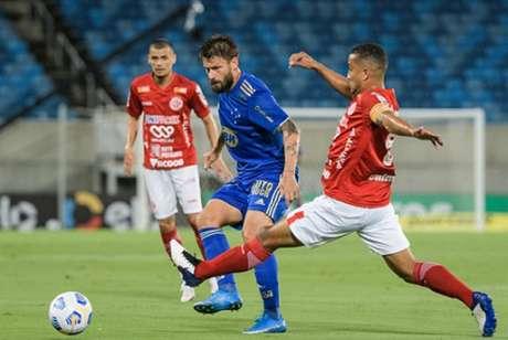 O Cruzeiro não teve vida fácil contra o América-RN na Arena das Dunas, mas segue na competição-(Gustavo Aleixo/Cruzeiro)