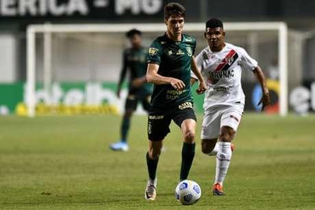 O Coelho teve uma noite de futebol abaixo do esperado no Independência-(Mourão Panda/América-MG)