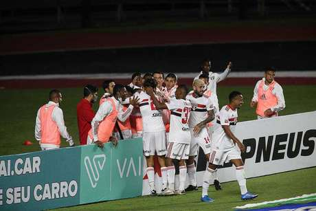 O São Paulo venceu o Guarani e é o líder geral do Paulistão (Foto: Rubens Chiri / saopaulofc.net)