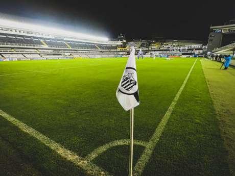 Santos espera receber o Barcelona na Vila Belmiro (FOTO: Divulgação/Santos F.C.)
