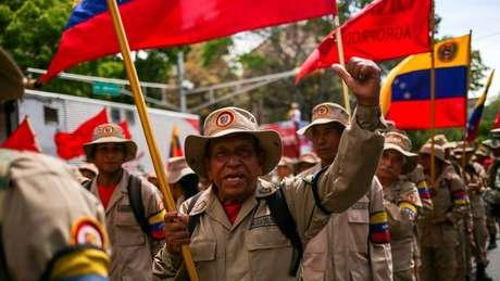 A Milícia Bolivariana é formada por civis partidários do governo socialista armados e treinados