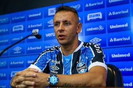 Lateral-direito de 35 anos de idade teria sido um pedido expresso de Renato Portaluppi (Lucas Uebel/Grêmio FBPA)