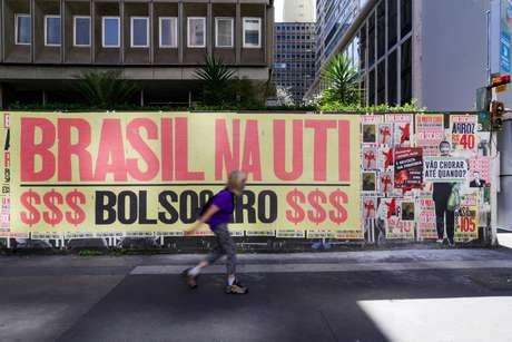 Cartazes contra as ações do Presidente Jair Bolsonaro