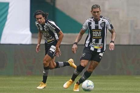 Matheus Nascimento e Navarro juntos em campo. (Foto: Vítor Silva/Botafogo)