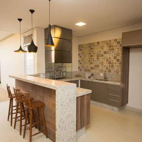63. Bancada de granito bege para cozinha – Foto Revista VD