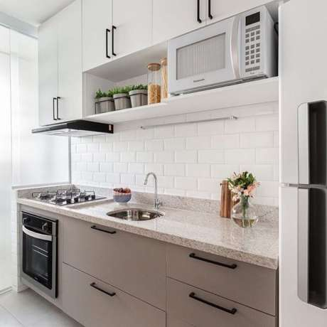 18. Bancada de granito branco para cozinha – Foto Arkpad