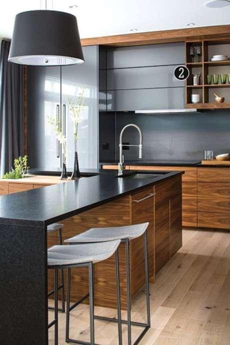 32. Bancada de granito para cozinha preta – Foto Set Construção
