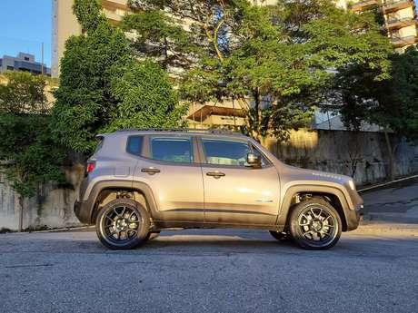 Renegade Moab é um carro bastante honesto: entrega versatilidade na medida certa.