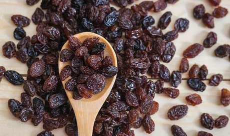 10 vantagens da uva passa