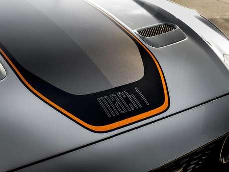 O nome Mach 1 faz referência à quebra da velocidade do som.