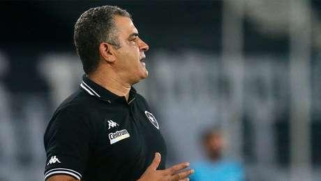 Marcelo Chamusca reconheceu que o time ainda tem de ser qualificado (Foto: Vitor Silva / Botafogo FR)