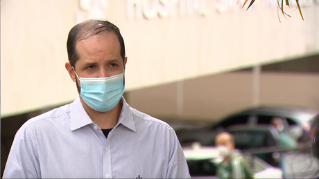 Médico intensivista trabalha há 8 anos em hospital na zona leste de São Paulo: 'Nunca antes vimos tantos burnouts e afastamentos laborais'