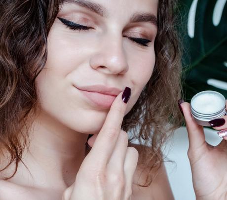 A vaselina costumava ser usada para hidratar os lábios - Shutterstock