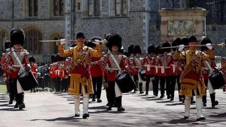 Banda toca durante funeral do duque de Edimburgo