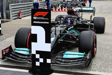 Mercedes sai na frente com Hamilton em Ímola