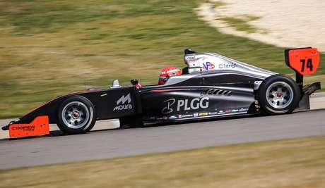 Enzo Fittipaldi teve problemas na estreia pela Indy Pro 2000