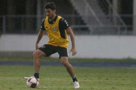 Marcinho foi contratado junto ao Cuiabá. (Foto: Vítor Silva/Botafogo)