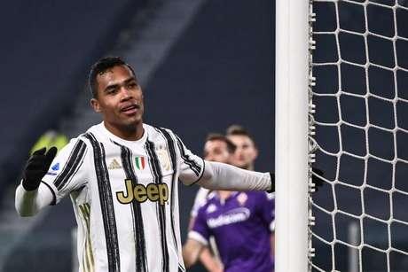 Alex Sandro deve ser negociado pela Juve (Foto: MARCO BERTORELLO / AFP)