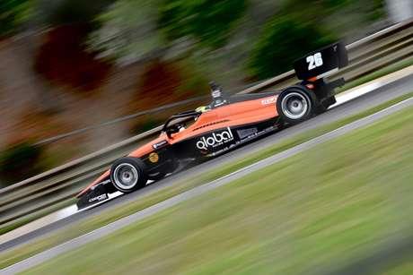 Linus Lundqvist dominou na estreia na Indy Lights