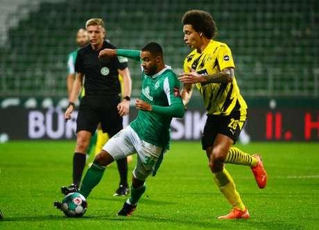 Borussia Dortmund venceu o Werder Bremen por 2 a 1 no primeiro turno (Foto: PATRIK STOLLARZ / POOL / AFP)