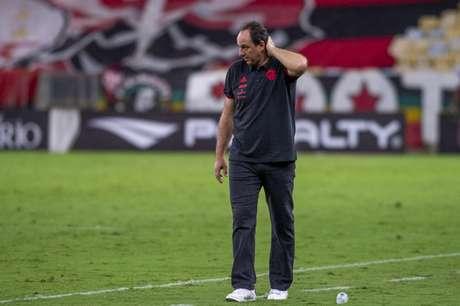 Rogério Ceni sofre uma pressão exagerada no Flamengo? (Foto: Marcelo Cortes/Flamengo)