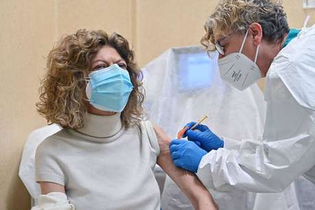 Vacinação na Itália começou a acelerar apenas agora em abril