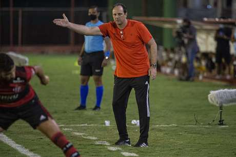 Rogério Ceni durante a partida contra a Portuguesa (Foto: Alexandre Vidal/Flamengo)
