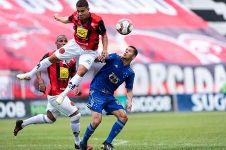 Não foi um domingo de bom futebol da Raposa diante do Pouso Alegre, adiando sua classificação às semifinais-(Bruno Haddad/Cruzeiro)