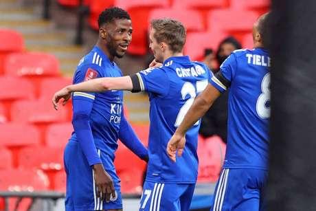 Adversário do Leicester na final da Copa da Inglaterra será o Chelsea (Foto: RICHARD HEATHCOTE / POOL / AFP)
