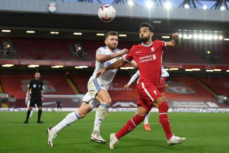 Liverpool venceu o Leeds por 4 a 3 no primeiro turno (Foto: SHAUN BOTTERILL / POOL / AFP)