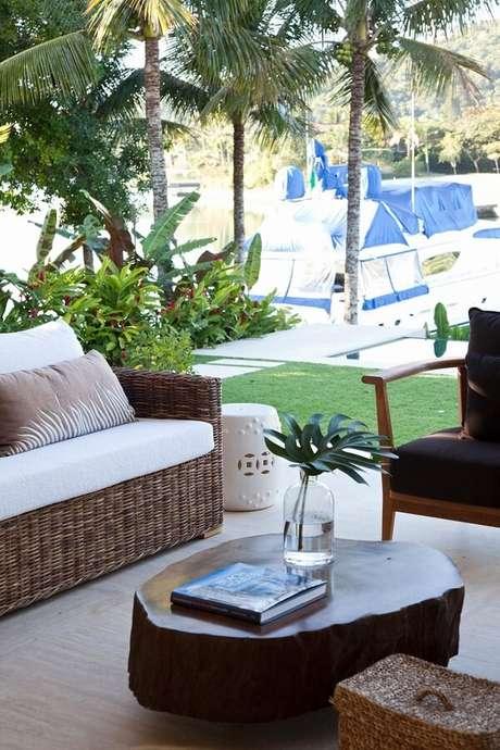 32. Modelo elegante de sofá de vime para área externa. Fonte: Dado Castello Branco