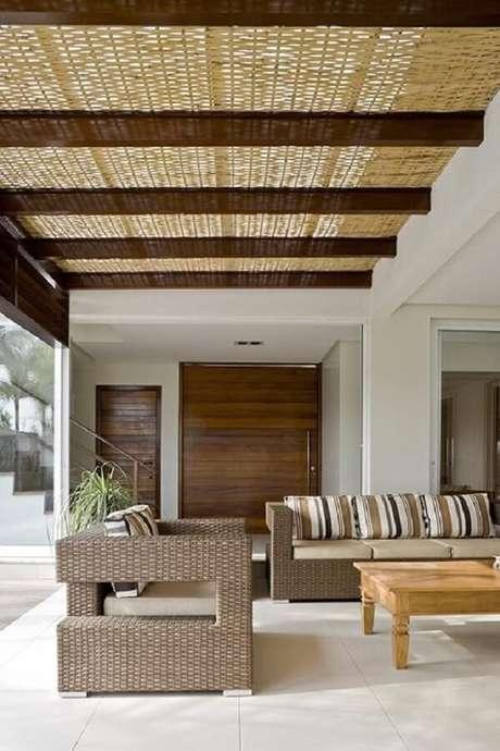 1. Sofá de vime para área externa traz sofisticação e elegância para o ambiente. Fonte: DG Arquitetura +Design