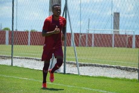 Erik está quase pronto para voltar aos gramados e defender o CRB na temporada 2021 (Foto: Divulgação/CRB)