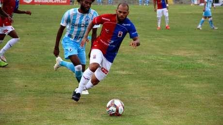 Jailson comemorou o ponto conquistado diante do Londrina (Foto: Divulgação/Paraná)