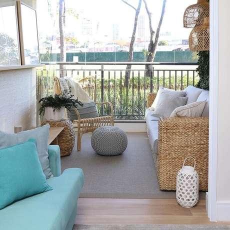 46. O sofá de vime facilmente combina com diferentes propostas decorativas. Fonte: Doma Arquitetura
