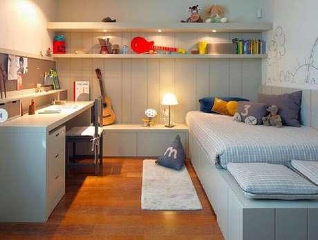 6. Para um ambiente mais bem organizado invista na mesa com gaveta para quarto – Foto: We Heart It