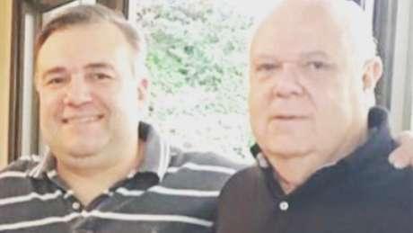 Ney Leprevost junto com o pai, o advogado Luiz: filho relata que pai se arrependeu de tratamento precoce após ficar com a saúde debilitada