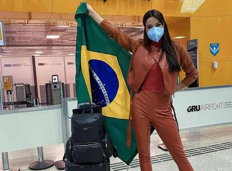 A Miss Brasil 2020 Julia Gama embarcou para Cancún neste sábado, 17